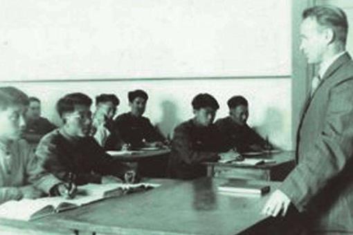 盘点那些苏联科学家做过的耸人听闻实验,换头,僵尸,剥夺睡眠真是脑洞大开