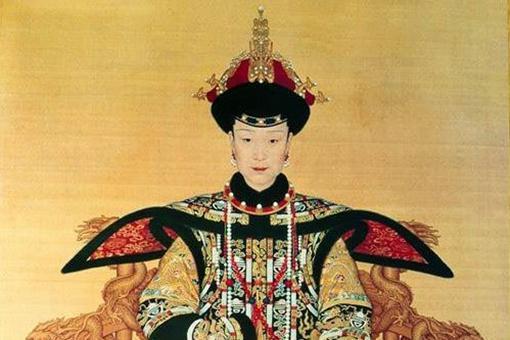 乾隆皇帝的皇后是谁?为何一个病死一个被废?