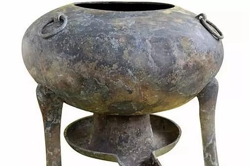 古代人都怎么吃火锅?最早的火锅可不是用来涮的