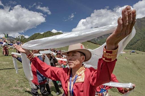 藏族哈达文化是怎样的?藏族独有的民俗文化