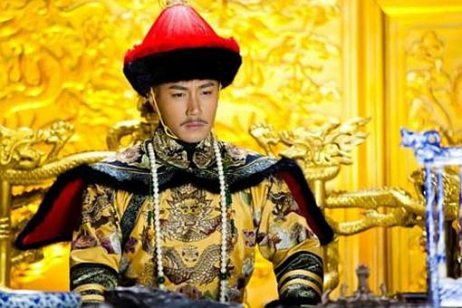 皇太極和努爾哈赤誰比較厲害?誰的功勞較大?