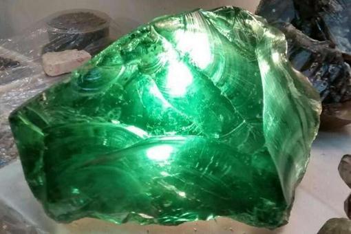 绿幽灵如何辨真假?绿幽灵水晶具体辨别方法分享