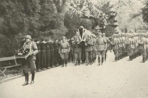 一组德国陆军元帅隆美尔下葬时的珍贵照片